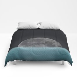 Lonely Moon Comforters