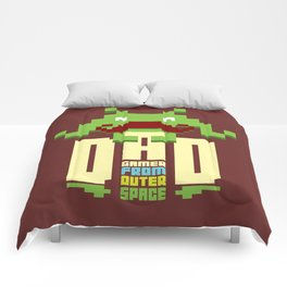 Gamer dad from outer space Comforters