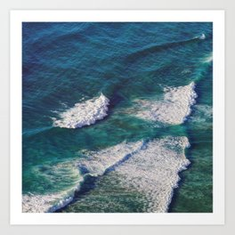 Waves Crashing Art Print