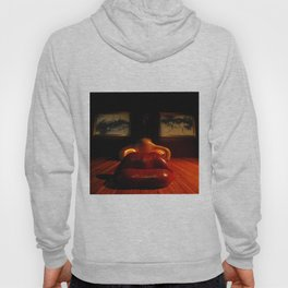 Mae West Close Up // Figueres Hoody