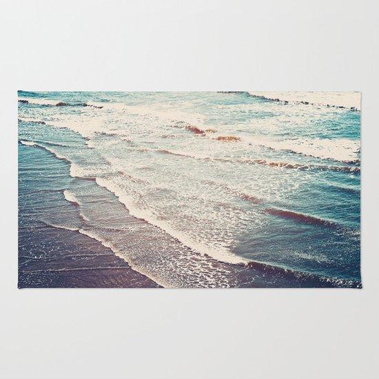 Ocean Waves Retro Rug