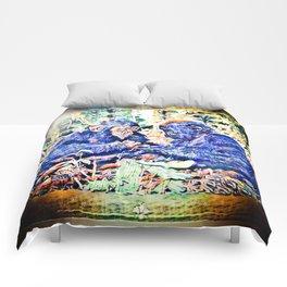 Chimp & Gorilla Cooperation 01-01 Comforters