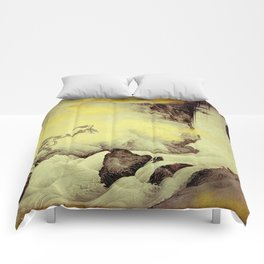 A Golden Winter Comforters