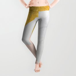 Carrara Marble with Gold and Pantone Pale Dogwood Color Leggings