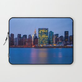 Beginning of the night over Manhattan Laptop Sleeve