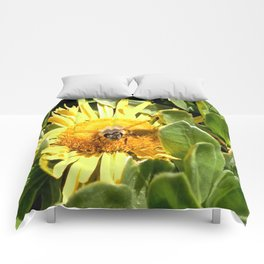 A bee eager to fly Comforters