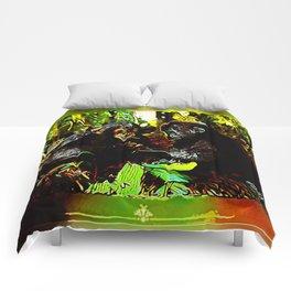 Chimp & Gorilla Cooperation 01-02 Comforters