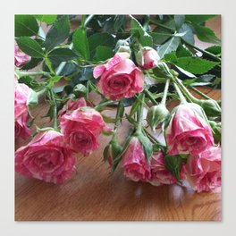 ROSES ARE LOVE Canvas Print