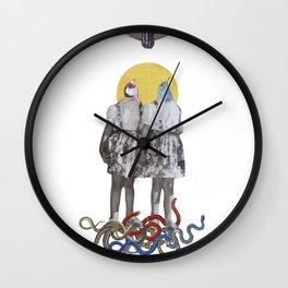 Metamorfosi e meraviglie delle sorelle Courier Wall Clock