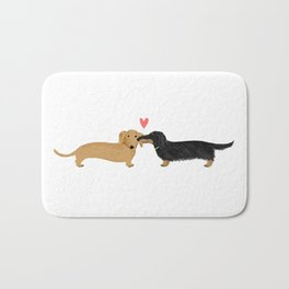 Cute Wiener Dogs with Heart | Dachshunds Love Badematte
