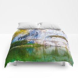 The Fallen Lion Comforters