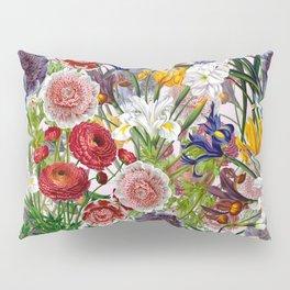 Vintage & Shabby Chic - Lush baroque flower pattern on pink Pillow Sham