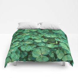 Lucky Green Clovers, St Patricks Day pattern Comforters
