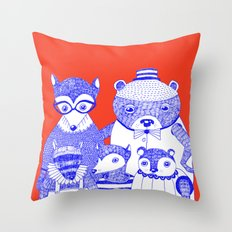 THE FAMILY PICTURE Throw Pillow
