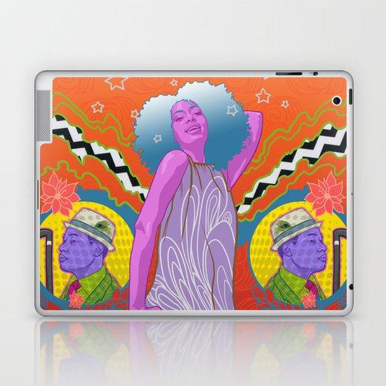 """""""True"""" by Tim Lukowiak Laptop & iPad Skin"""