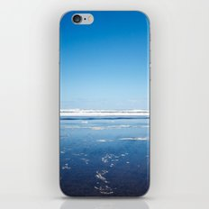 The end of the earth. iPhone & iPod Skin