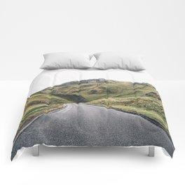 Castleton in the Peak District Comforters