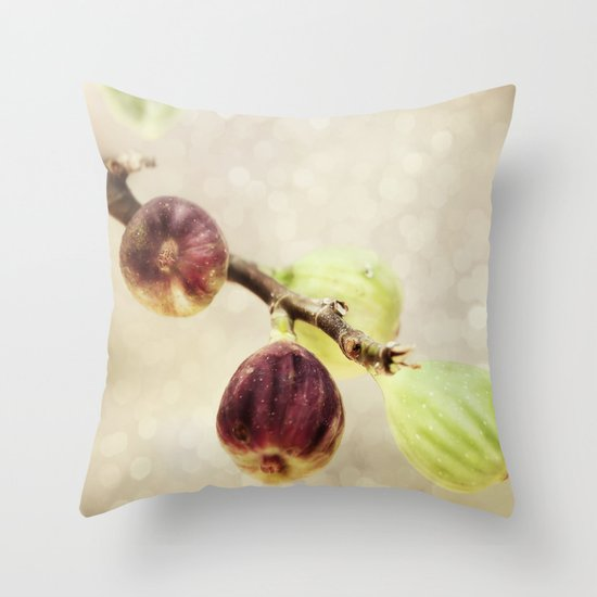 Fichi Dolci Throw Pillow
