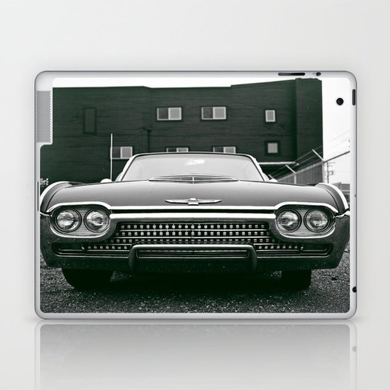 Beautiful blackbird  Laptop & iPad Skin