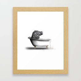 Hippo in Bath Gerahmter Kunstdruck