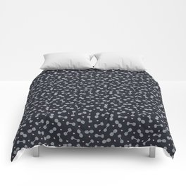 I LOVE STRENGTH (Dark Background Option) Comforters