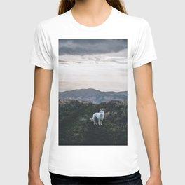 Wolf Golden Paradise (Color) T-shirt
