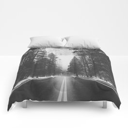 ROAD TRIP IV / Yosemite, California Comforters