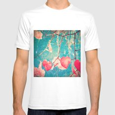 Autumn Hea(u)rts - Textured photography, pinks leafs in blue sky  White MEDIUM Mens Fitted Tee