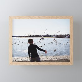 Frisbee throw Framed Mini Art Print