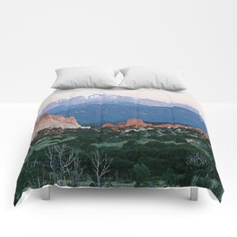 Sunrise at Garden of the Gods and Pikes Peak Comforters
