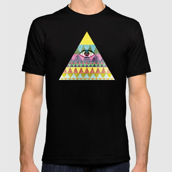 Pyramid in Space. T-shirt