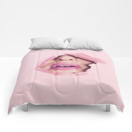 Mouth kiss Comforters