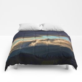 A SEA OF CLOUDS Comforters