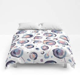 Abstract flowers pattern Comforters