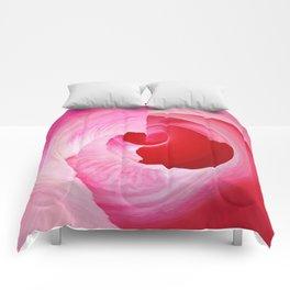 372 - Abstract FLower Design Comforters