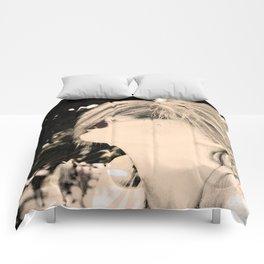 Ghost Kiss Comforters