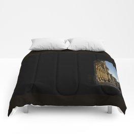 Par le trou d'une serrure // Through the Keyhole Comforters