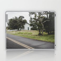 House on the Green - Hilo Laptop & iPad Skin