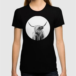 portrait of a highland cow T-shirt