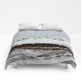 Green Wave Breaking Comforters