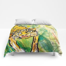 Tiger in th jungle Comforters