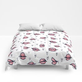 lips and hearts. pattern with lips on a white background. hand drawing, sketch Comforters
