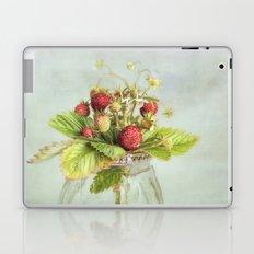 tiny berries Laptop & iPad Skin