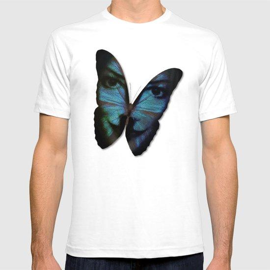 AM I A BUTTERFLY DREAMING I AM AN HUMAN T-shirt