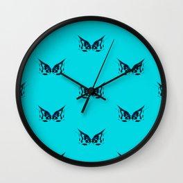 Kissing fish 2. Wall Clock