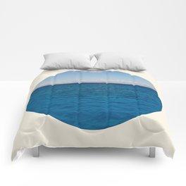 Water & Sky Horizon Round Photo Comforters