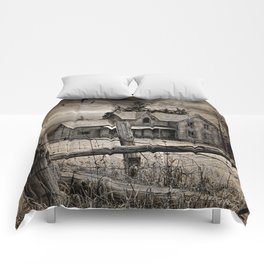 Abandoned Farm House in Ontario Comforters