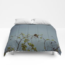 Great tit on a branch Comforters