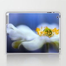 Anemone blues Laptop & iPad Skin