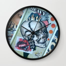 The 2 V Wall Clock